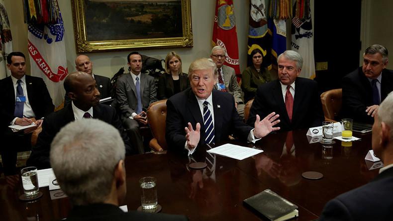 Trump presses big pharma to increase US production & cut drug prices
