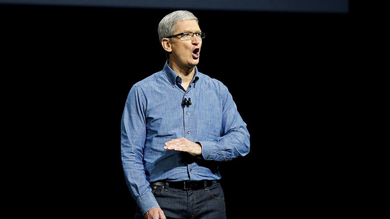 Apple considers legal challenge against Trump's immigration executive order