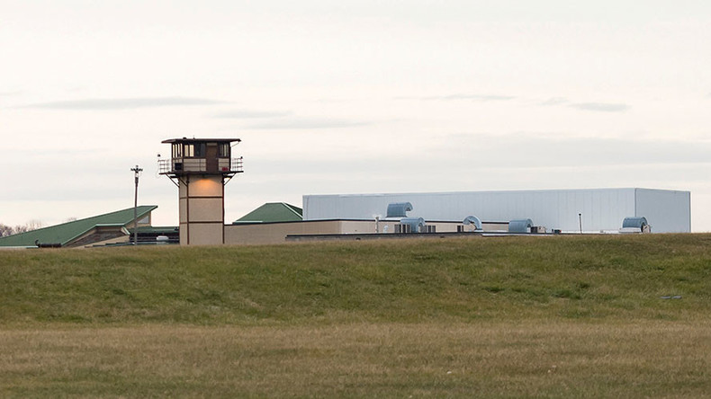 Delaware prison standoff ends with 1 hostage dead