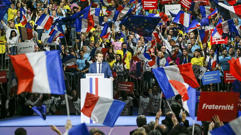 French presidential hopeful offers asylum to 'US scientists & researchers fighting obscurantism'