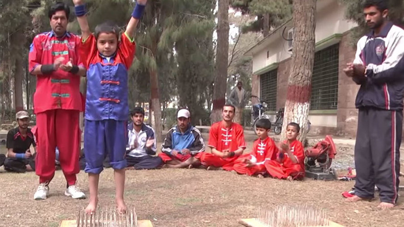 Ministry of Silly Stunts? Bizarre Pakistani school for razor wire tricks seeks govt funding (VIDEO)