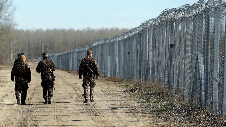 Hungary wants all asylum seekers detained