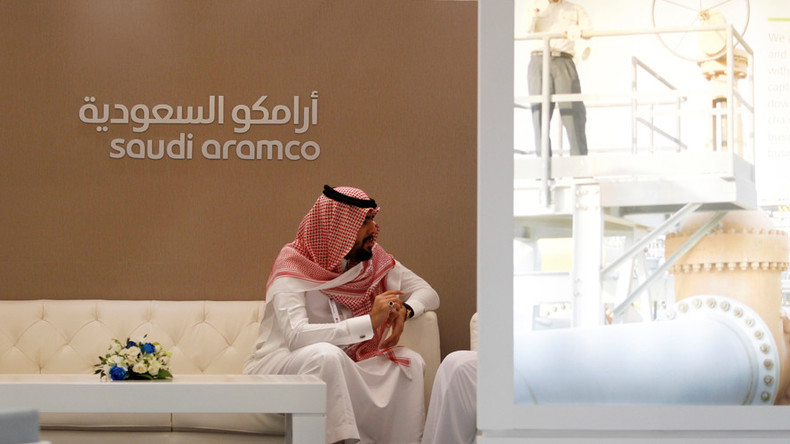 Saudis to raise $10 billion ahead of Aramco IPO