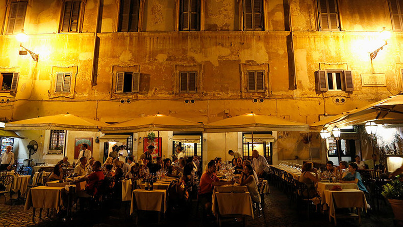 Italian restaurant offers 5% discount to families with well-behaved children