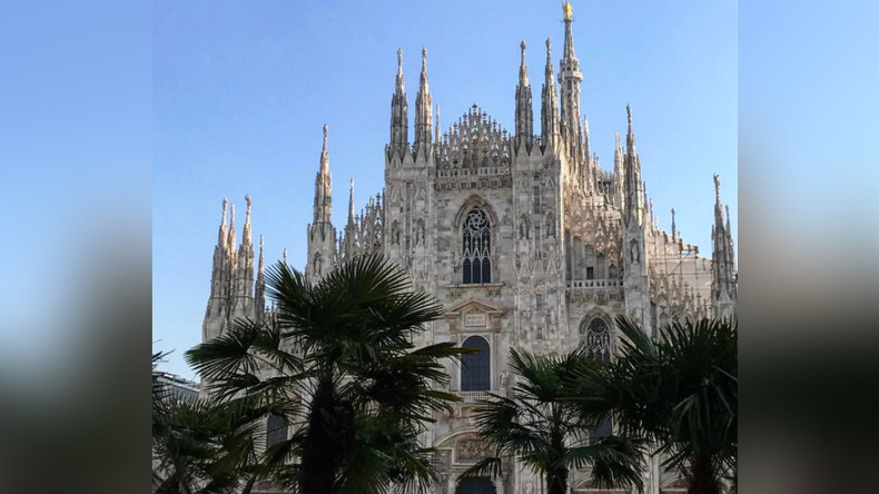 That's bananas: Italians blast Starbucks-backed tree-planting project outside Milan Duomo (POLL)