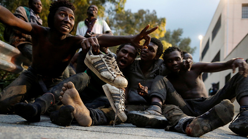 'Freedom! Victory!' 500 African migrants celebrate after breaking through EU border fence (VIDEO)
