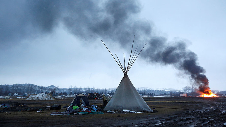 100 Dakota Access Pipeline protesters remain at camp site, defying eviction notice