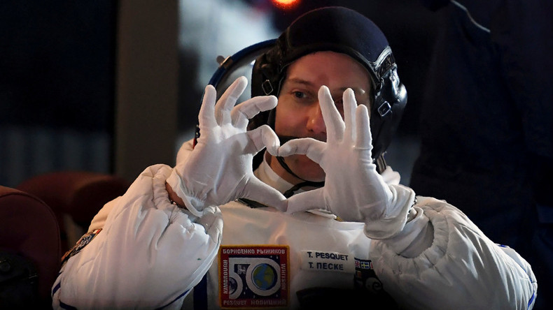 ISS astronaut trolls conspiracy theorists with space walk selfie (PHOTO)