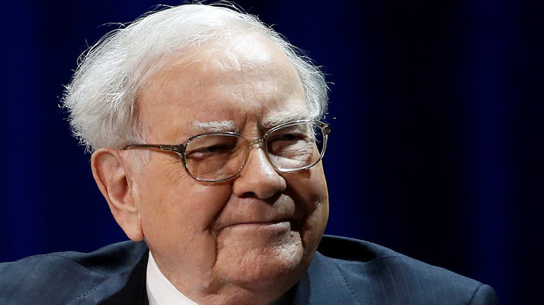 Investors wasted billions on Wall Street money managers - Warren Buffett