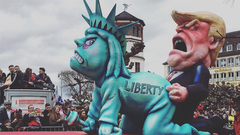 'Democracy is screwed': Trump, Merkel & far-right leaders mocked at annual carnival in Germany