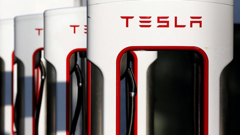 Former Tesla engineer sues company over harassment, gender wage gap