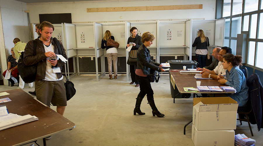 Dutch to hand-count ballots in March vote amid 'hacking & fake news' fears