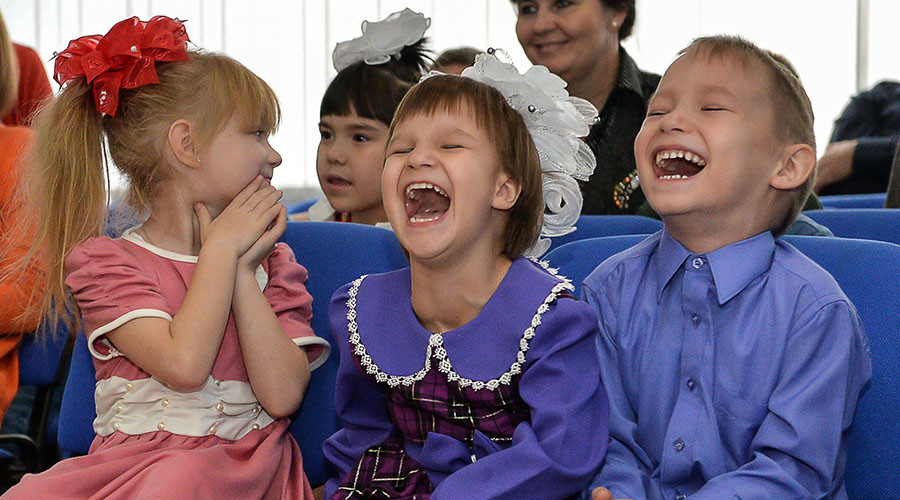 Most Russians back ban on US adoptions – poll