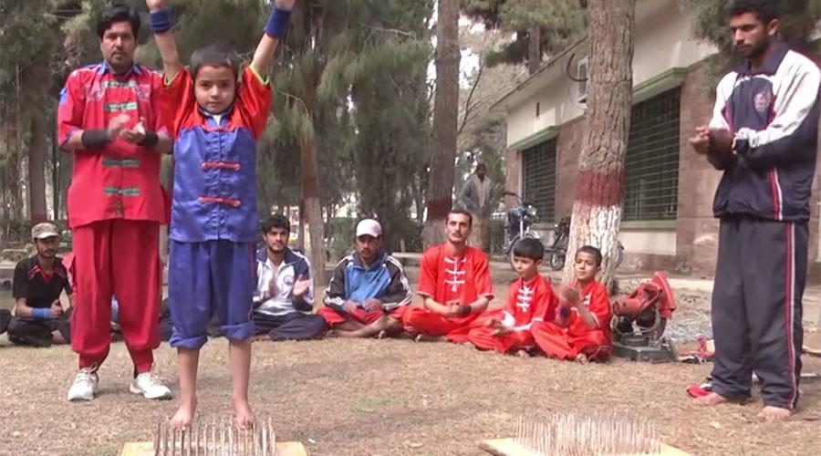 Ministry of Silly Stunts? Bizarre Pakistani school for razor wire tricks seeks govt funding (VIDEO)