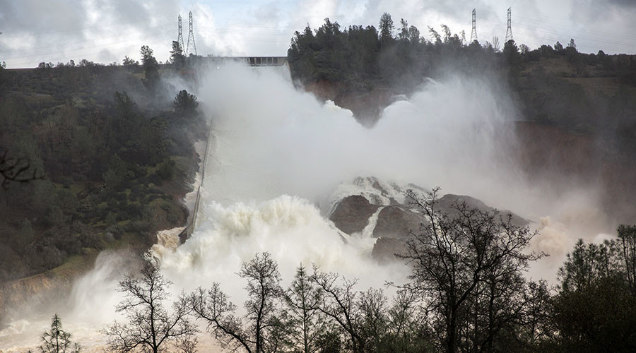 Ecological threats loom amid rising Calif. reservoir, damaged spillway at tallest US dam