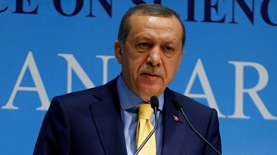 Turkey sets constitution referendum date for April 16
