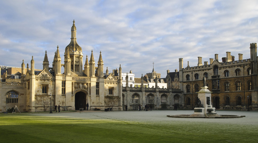 Cambridge students 'could be attacked' after undergrad burned £20 in front of homeless man