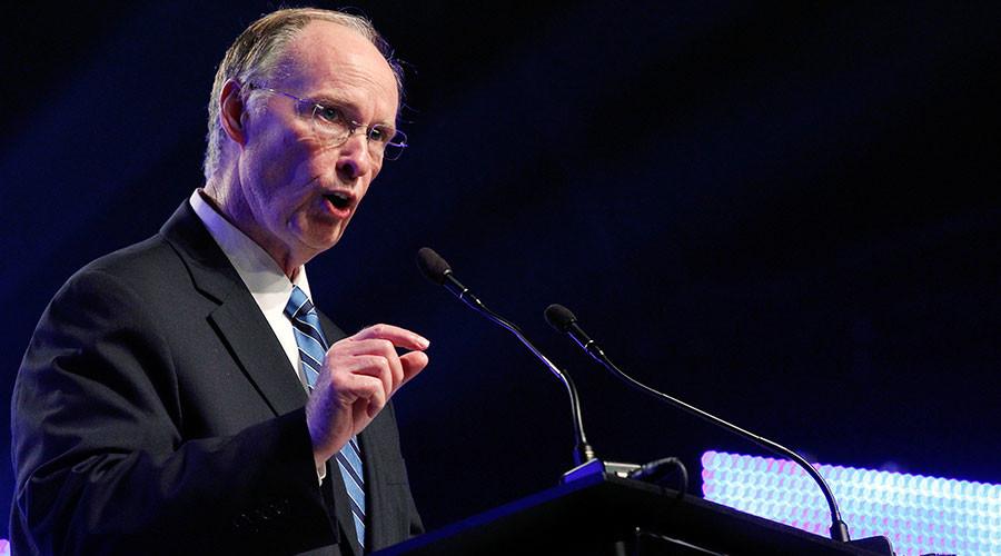 Alabama governor under investigation for corruption, state AG recuses himself