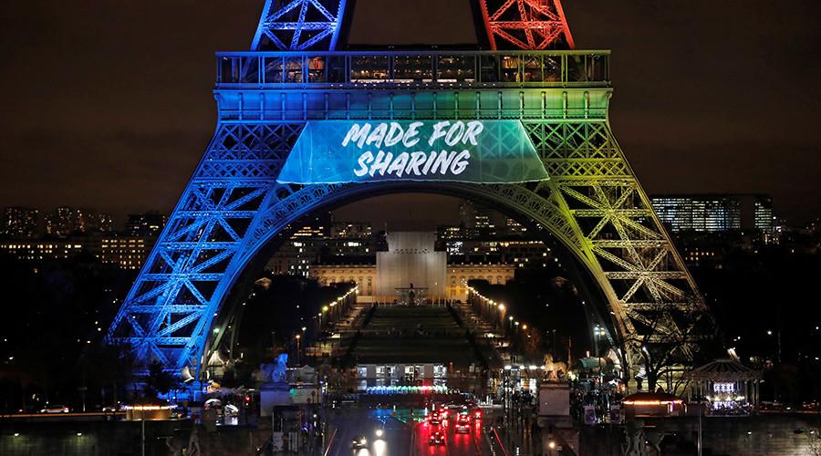 English slogan for Paris Olympic bid enrages French language groups