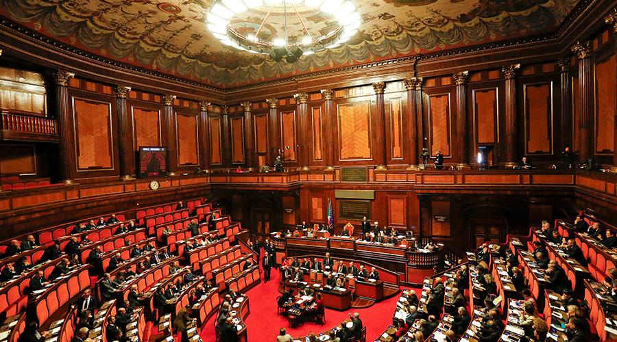 Italian senators mull making 'fake news' a crime punishable by fines & jail