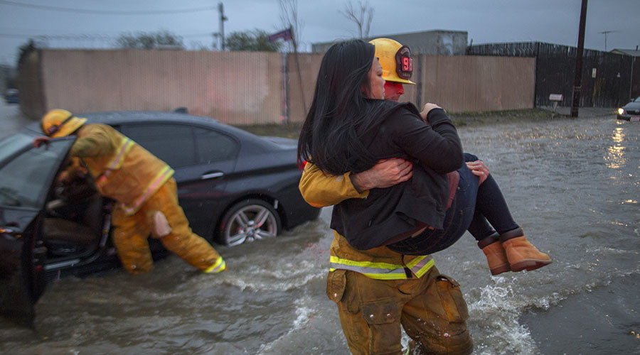California flash flood kills at least 2, swallows cars whole (VIDEO, PHOTO)