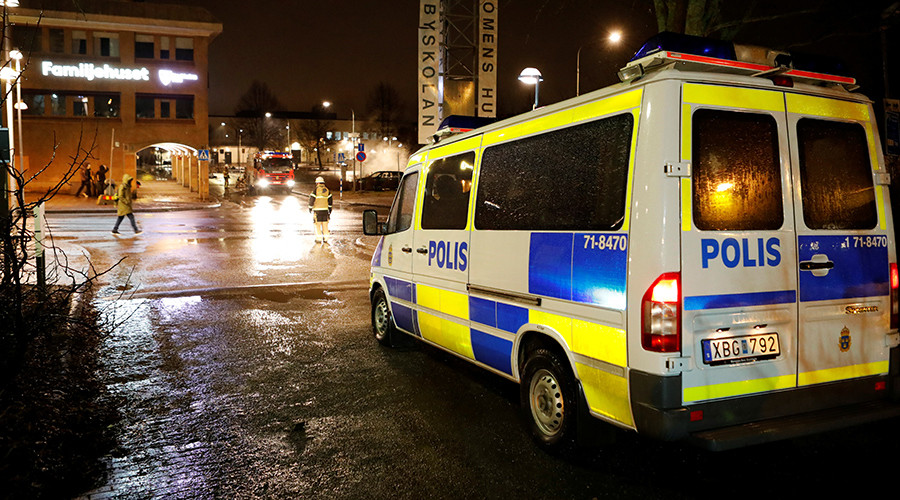 Swedish police accused of inaction over Stockholm riot