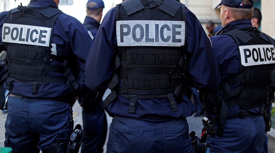 250 police turn up for suspected bomb in French mall, turns out to be empty pressure cooker