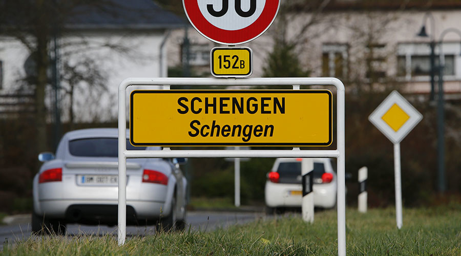 Brussels approves German, French proposals on reviewing Schengen rules
