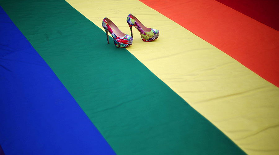 Female bosses 'more likely to hire gay & lesbian employees'