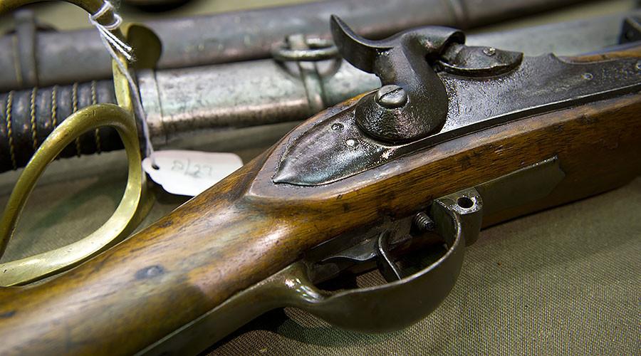 Antiques dealer sold gangsters pre-war handguns & homemade bullets, court hears