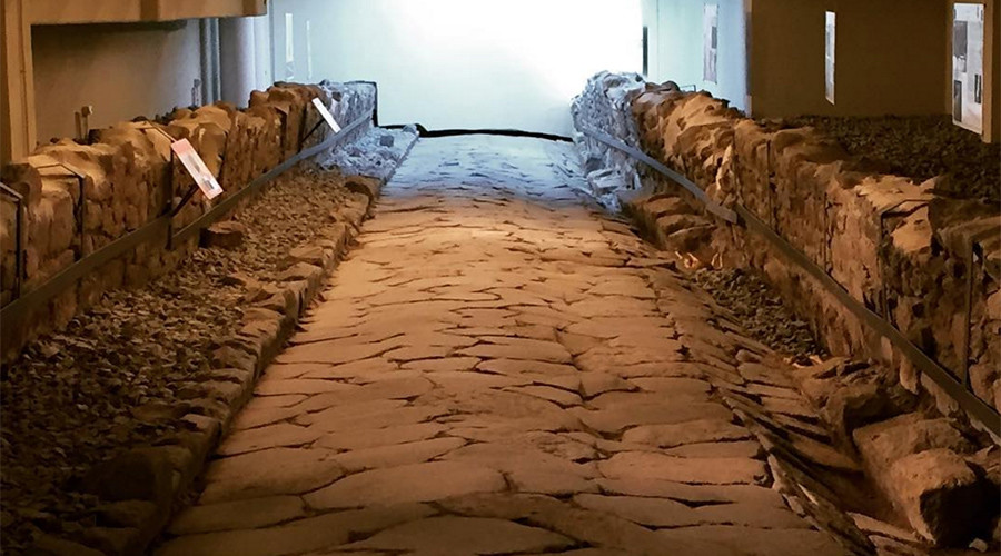 Appian Meal: McDonald's in Italy offers diners macabre view of ancient Roman highway (PHOTOS)