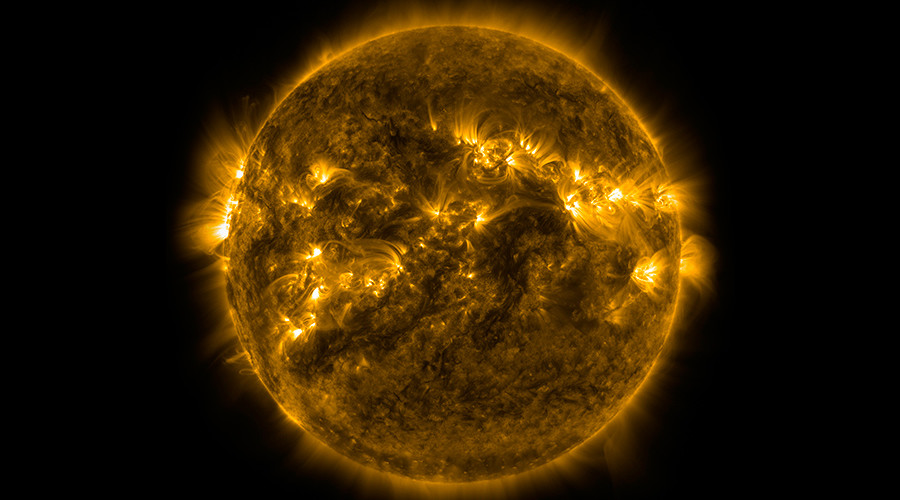 NASA plans daring sun mission to solve solar mysteries
