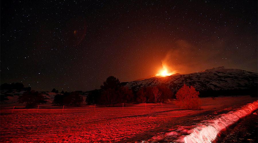 Mt. Etna eruption creates spectacular fireworks display (PHOTOS, VIDEO)