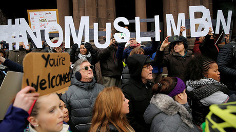 Demonstrators in Boston, Massachusetts protest US President Donald Trump's executive order travel ban, January 29, 2017. © Brian Snyder