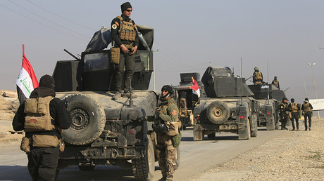 US-backed Iraqi forces advance on ISIS-held areas of Mosul, as 750,000 civilians remain trapped