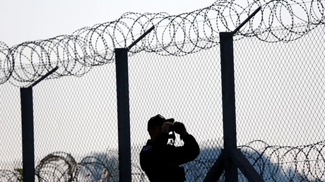 A barbed-wire fence already stands along the Hungary-Serbia border. © Laszlo Balogh