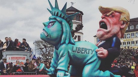 'Democracy is screwed': Trump, Merkel & far-right leaders mocked at annual carnival in Germany