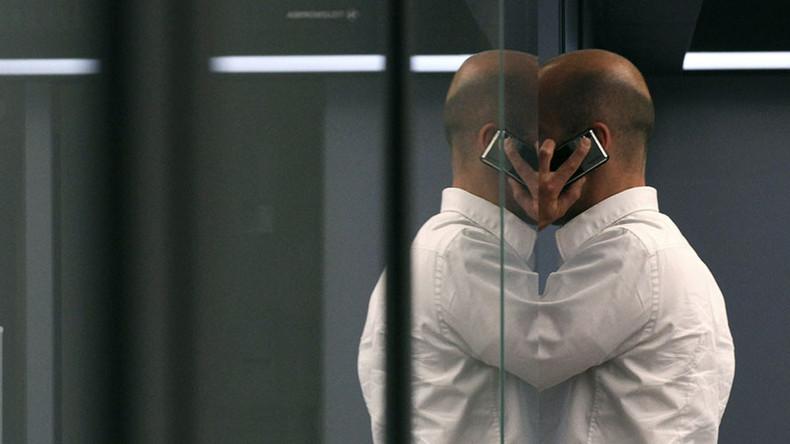 Goldman Sachs mobile perks penny pinching irks bankers