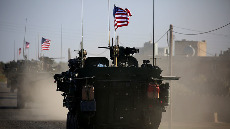 US troops spotted in armored convoy near Manbij, Syria (VIDEO)