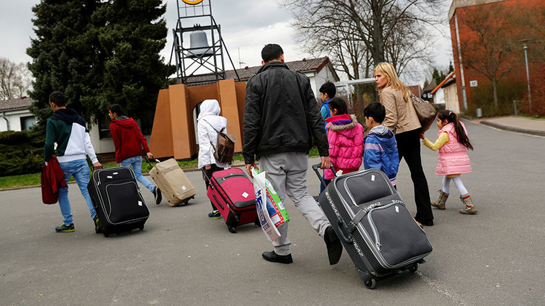Germany's initial migrant plan was border closure, not 'open-door' policy – report