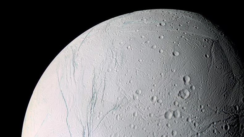 NASA's Cassini detects heat of ocean on Saturn moon (PHOTO)