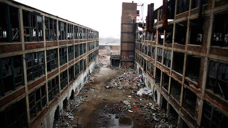 In Michigan, Trump promises return to manufacturing glory (VIDEO)