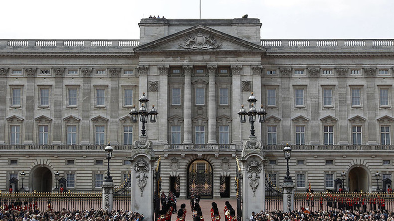 what austerity taxpayer funded 369mn buckingham palace renovation approved rt uk news. Black Bedroom Furniture Sets. Home Design Ideas