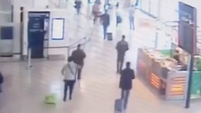 Security footage shows Paris Orly attacker approaching soldier from behind (VIDEO)