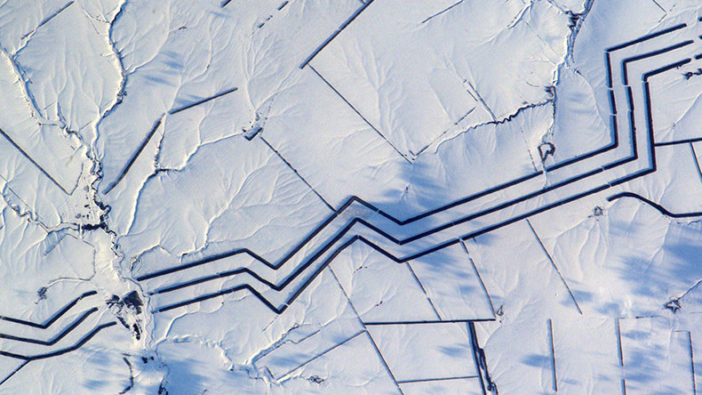 Bizarre image of Russian 'snow art' baffles astronaut (PHOTO)