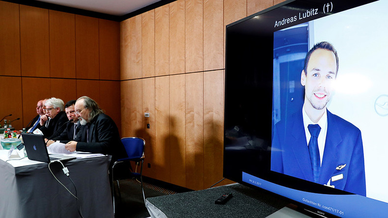 Germanwings crash pilot was 'not depressive,' father claims (VIDEO)
