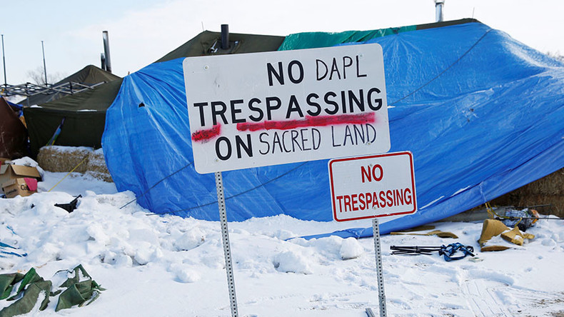 Oil placed in Dakota Access Pipeline as service set to begin