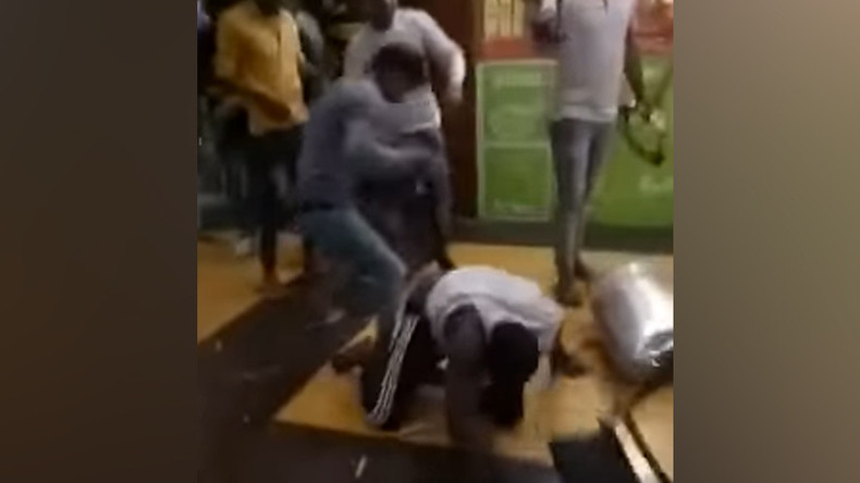 Angry mob attacks Africans in India after teen's overdose death (PHOTOS, VIDEO)