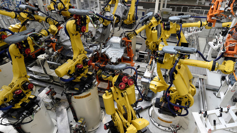 Robot workers replace 'blue collar' workers, not managers –  study