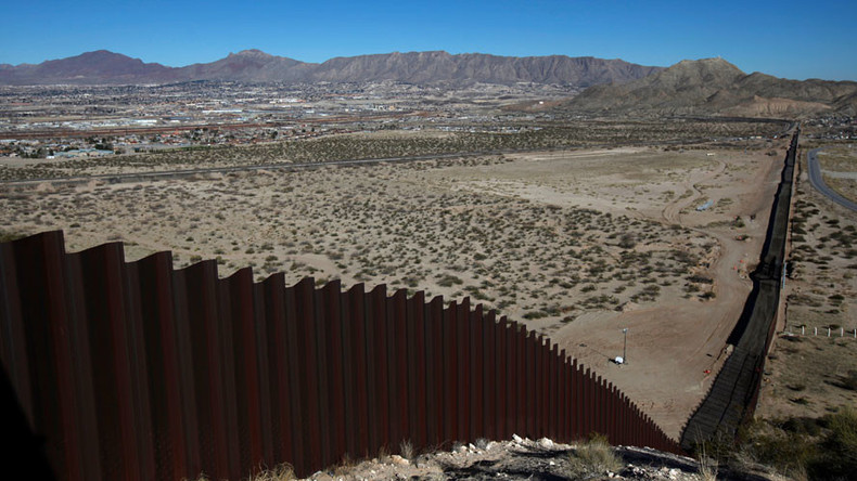 Hundreds of companies bidding to 'build that wall' on US-Mexico border